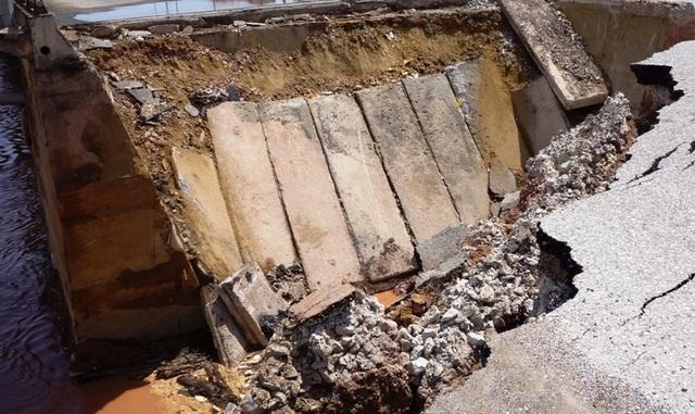Vụ hố tử thần nuốt chửng 5 người: Đặt nghi vấn về chất lượng công trình - 6