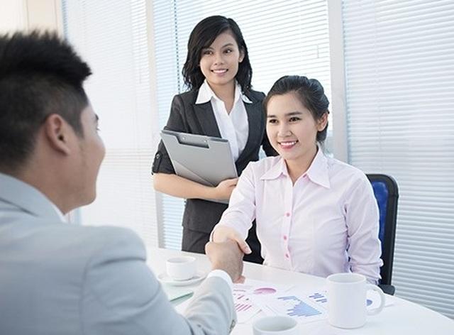 Lãnh đạo có thể bị cách chức nếu bố trí người thân vào vị trí quản lý nhân sự - 1