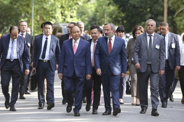 Thủ tướng Nguyễn Xuân Phúc đón người đồng cấp Armenia thăm chính thức Việt Nam - 6