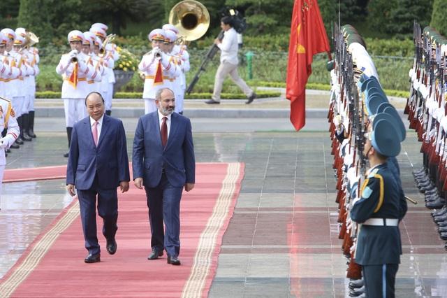 Thủ tướng Nguyễn Xuân Phúc đón người đồng cấp Armenia thăm chính thức Việt Nam - 5