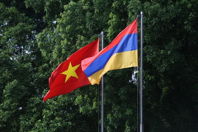 Thủ tướng Nguyễn Xuân Phúc đón người đồng cấp Armenia thăm chính thức Việt Nam - 1