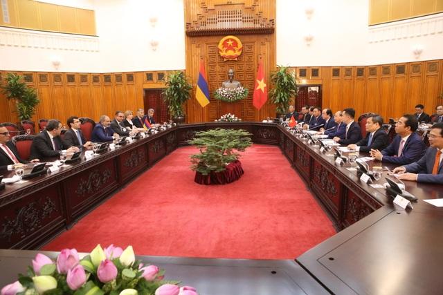Thủ tướng Nguyễn Xuân Phúc đón người đồng cấp Armenia thăm chính thức Việt Nam - 10