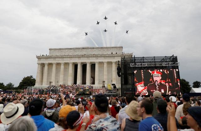 Dàn máy bay quân sự phô diễn sức mạnh kỷ niệm Quốc khánh Mỹ - 15