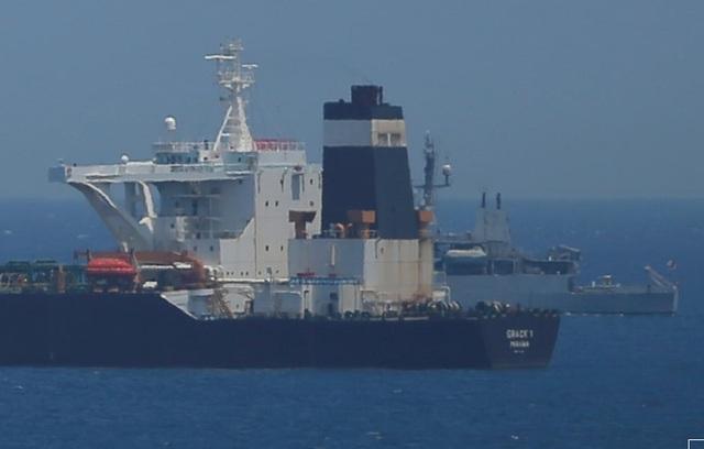 Iran dọa bắt tàu Anh để trả đũa vụ tàu chở dầu - 1