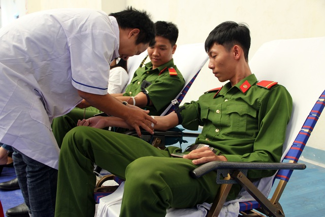 """Phú Yên: Hơn 1.000 người tham Ngày hội hiến máu """"Hành trình đỏ"""" năm 2019 - 1"""
