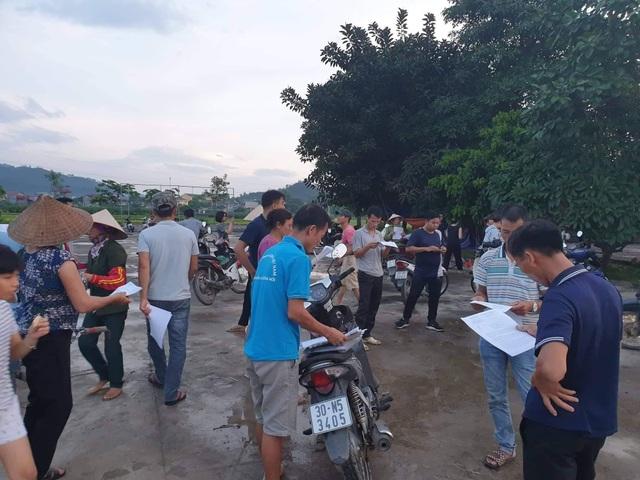 Hà Nội: Người dân mở cửa bãi rác Nam Sơn sau gần 1 tuần chặn xe rác - 2
