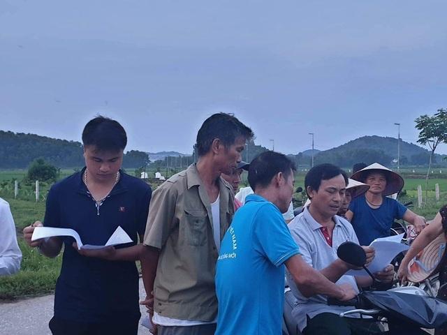Hà Nội: Người dân mở cửa bãi rác Nam Sơn sau gần 1 tuần chặn xe rác - 1