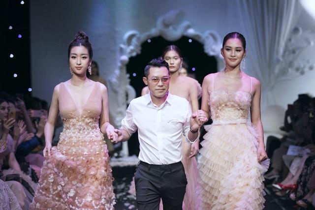 Hoa hậu Đỗ Mỹ Linh xuất hiện giữa tin đồn hẹn hò em trai BTV Ngọc Trinh - 4