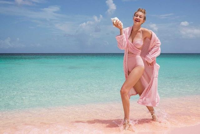 Gigi Hadid tập yoga trong ảnh quảng cáo - 6
