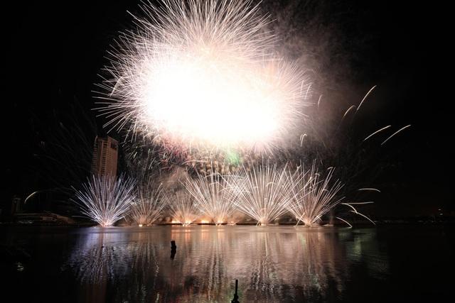 Tân binh Phần Lan vô địch lễ hội pháo hoa quốc tế Đà Nẵng 2019 - 6