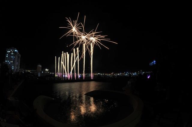 Tân binh Phần Lan vô địch lễ hội pháo hoa quốc tế Đà Nẵng 2019 - 9