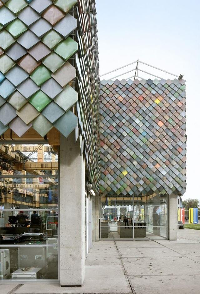 Ngôi nhà bằng vật liệu tái chế từ rác, đẹp và phá cách ít ai ngờ tới - 4