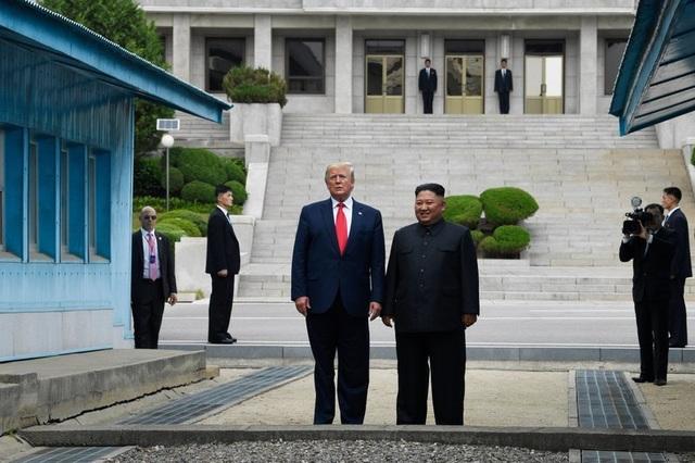 Rộ tin đặc vụ Mỹ không đi cùng bảo vệ ông Trump sang đất Triều Tiên - 1