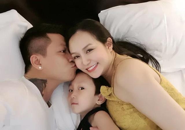 Tuấn Hưng, Phan Hiển khoe ảnh hôn vợ - 1