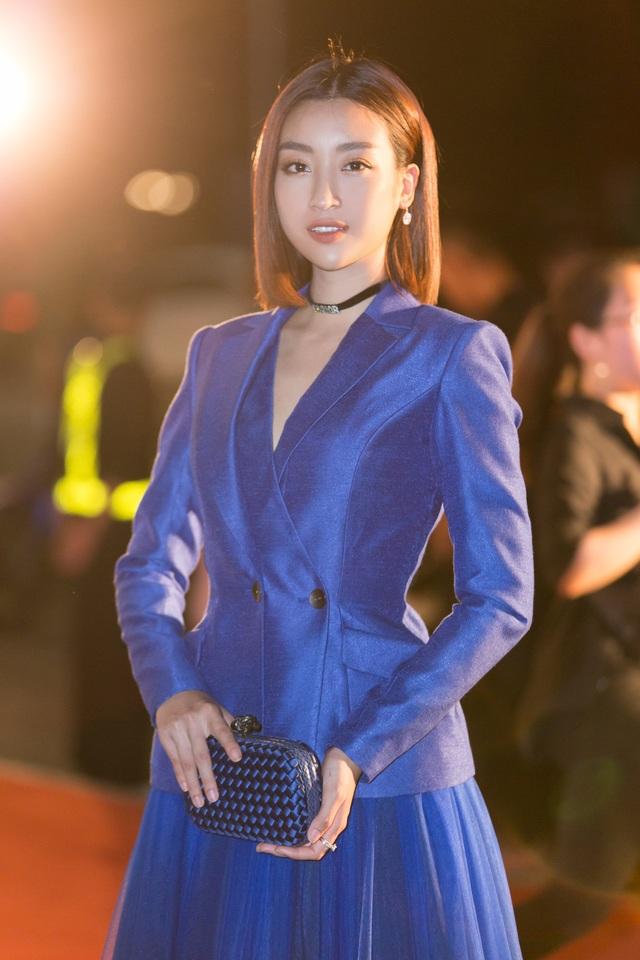 Dàn trai tài, gái sắc sải bước trên thảm đỏ Miss World Việt Nam 2019 - 2
