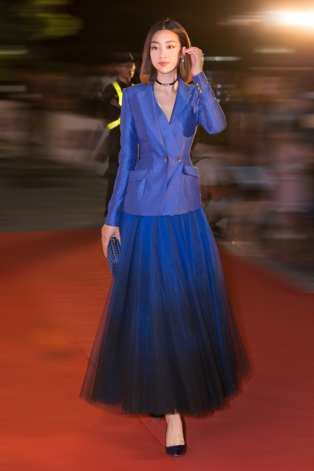 Dàn trai tài, gái sắc sải bước trên thảm đỏ Miss World Việt Nam 2019 - 1