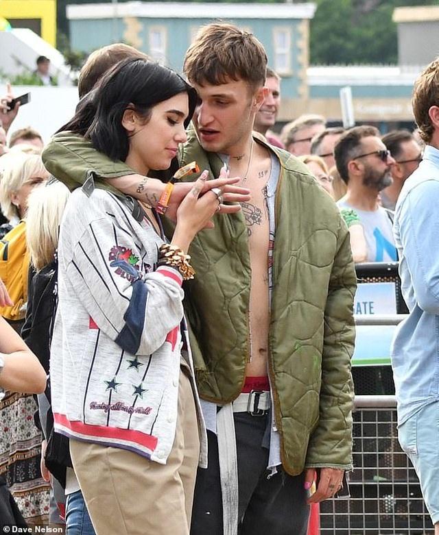 Dua Lipa hẹn hò với em trai Gigi Hadid - 2