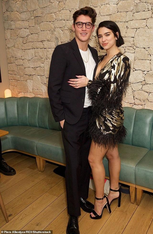 Dua Lipa hẹn hò với em trai Gigi Hadid - 8