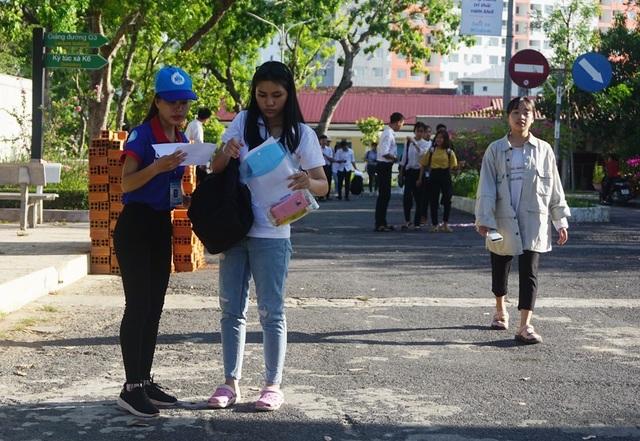 Gần 1.700 thí sinh dự thi Đánh giá năng lực tại Nha Trang - 1