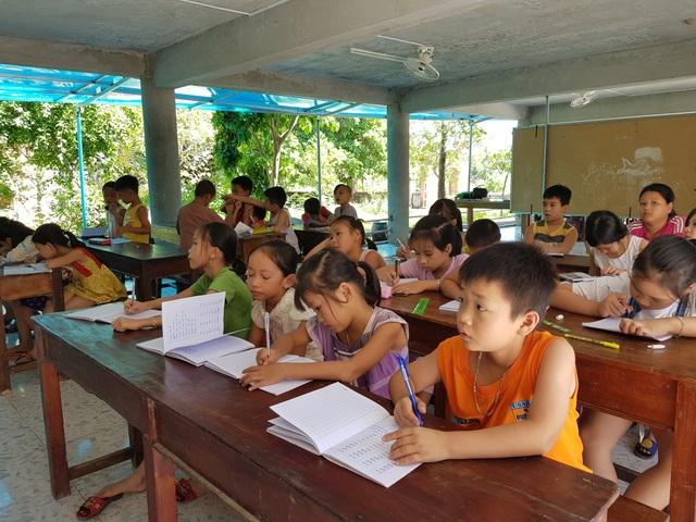 Ngôi chùa làng 16 năm mở lớp dạy học miễn phí cho học sinh - 3