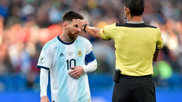 Khi Messi không phải là thánh…