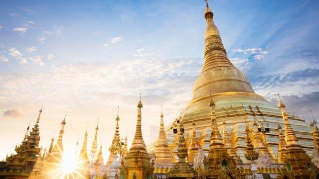Ngôi chùa dát gần trăm tấn vàng, hàng ngàn viên kim cương và hồng ngọc - 1