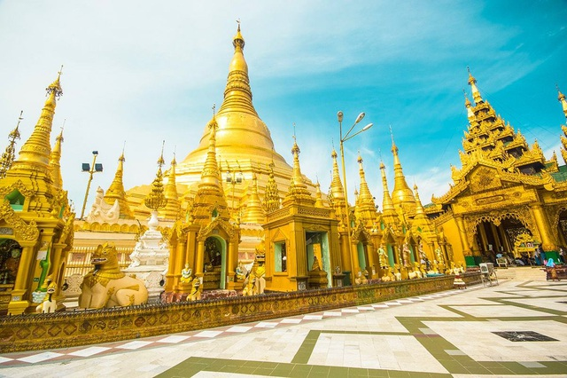 Ngôi chùa dát gần trăm tấn vàng, hàng ngàn viên kim cương và hồng ngọc - 2