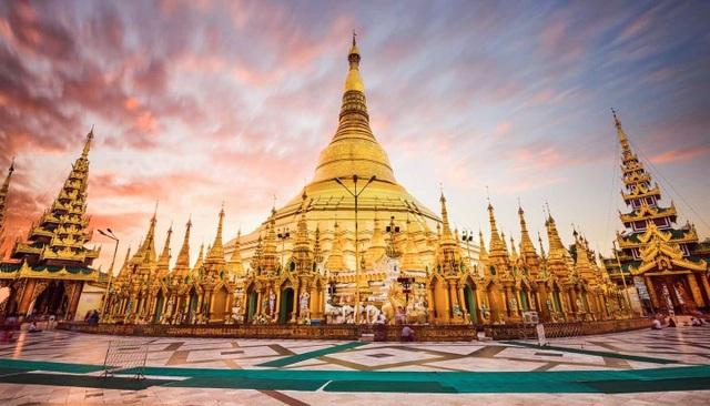Ngôi chùa dát gần trăm tấn vàng, hàng ngàn viên kim cương và hồng ngọc - 3