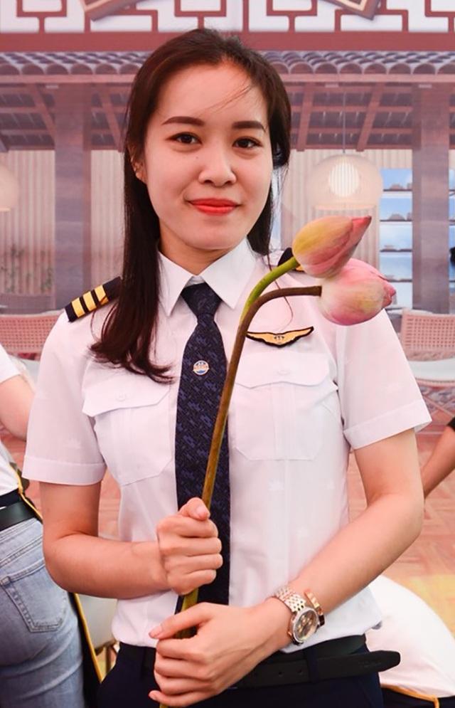 Nữ cơ phó 9x xinh đẹp: Từng không nghĩ sẽ làm phi công - 4