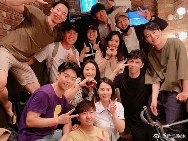 Song Hye Kyo xuất hiện lần đầu sau tuyên bố ly hôn - 9