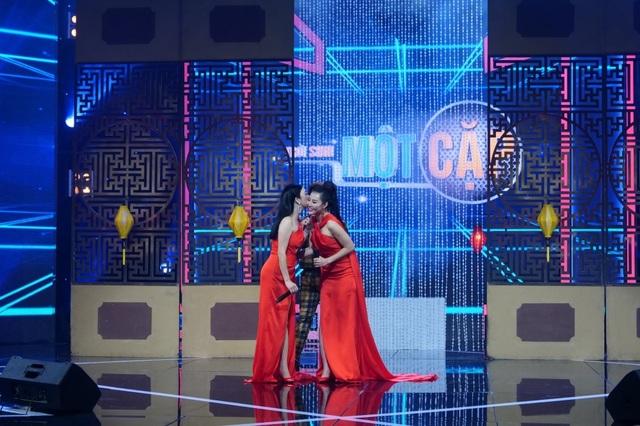 Ca sĩ Thu Phương lần đầu trổ tài catwalk - 15