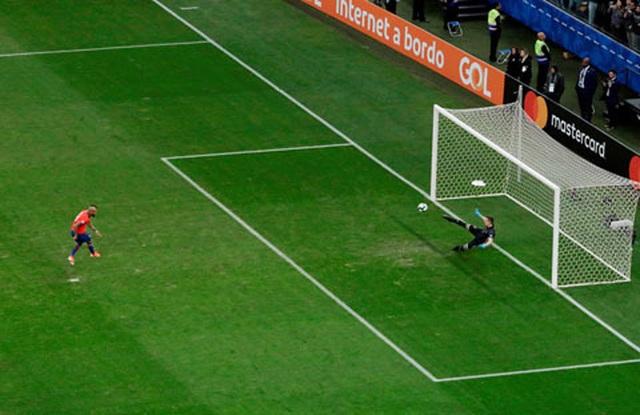 Messi nhận thẻ đỏ, Argentina nhọc nhằn giành hạng ba Copa America - 10