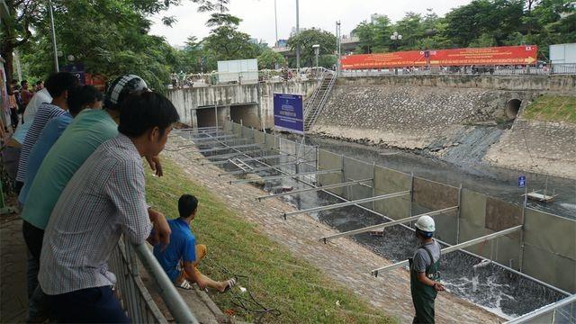 Công nghệ Nhật Bản giúp giảm đáng kể lớp bùn trên sông Tô Lịch - 4