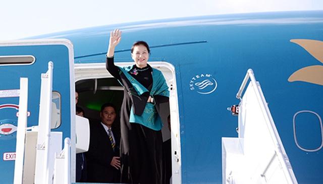 Chủ tịch Quốc hội lên đường thăm chính thức nước Cộng hòa Nhân nhân Trung Hoa - 1