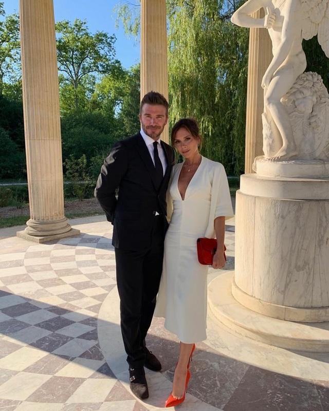 Vợ chồng Beckham sành điệu đi xem ca nhạc - 11
