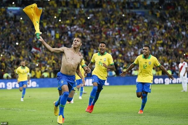 Những khoảnh khắc Brazil hạ Peru để vô địch Copa America 2019 - 12