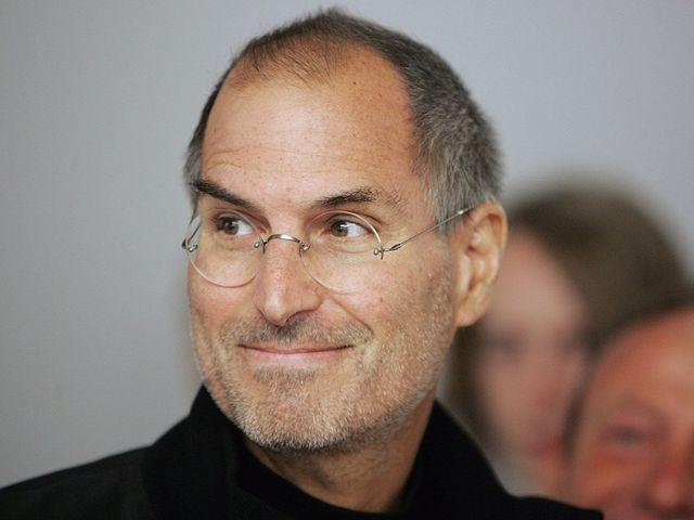 Bill Gates nói Steve Jobs có ma thuật mê hoặc người dùng đến với sản phẩm Apple - 1