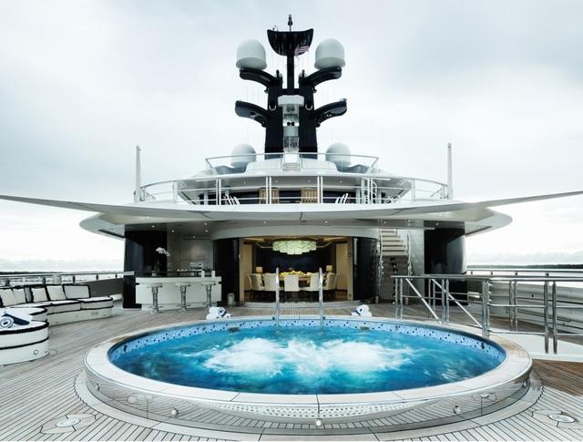 Chiếc siêu du thuyền cho thuê với giá hơn 29 tỉ đồng một tuần - 2
