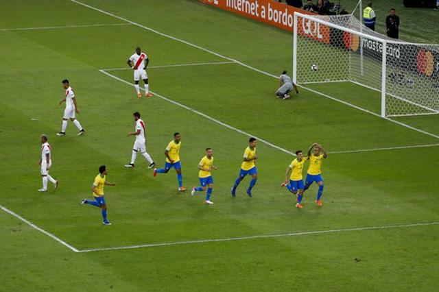Chiến thắng trong thế thiếu người, Brazil vô địch Copa America - 11