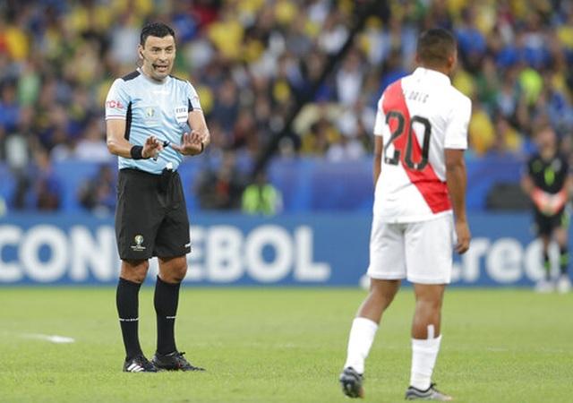 Chiến thắng trong thế thiếu người, Brazil vô địch Copa America - 10