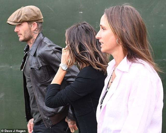 Vợ chồng Beckham sành điệu đi xem ca nhạc - 2