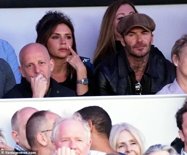 Vợ chồng Beckham sành điệu đi xem ca nhạc - 5