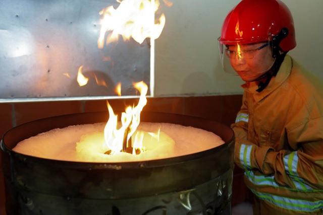 VinaFoam đưa nhà máy chất tạo bọt chữa cháy vào hoạt động - 8