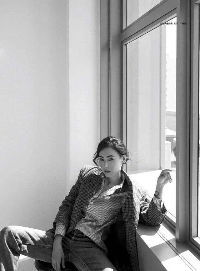 39 tuổi, Trương Bá Chi đằm thắm và quyến rũ hơn! - 5