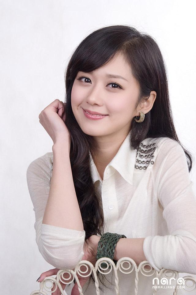 Mỹ nhân U40 Jang Nara vẫn trẻ đẹp như thiếu nữ - 2