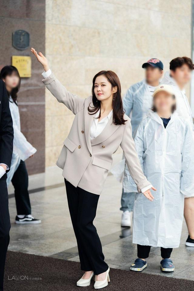 Mỹ nhân U40 Jang Nara vẫn trẻ đẹp như thiếu nữ - 9