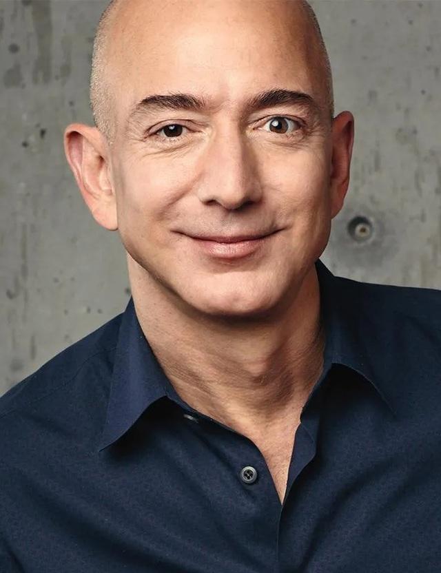 Xây dựng đế chế trong 25 năm, ông chủ Amazon canh cánh lo phá sản - 3