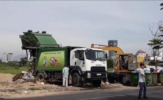 """Chủ tịch Đà Nẵng chỉ đạo """"nóng"""" khi hàng nghìn tấn rác ứ đọng trong thành phố - 4"""