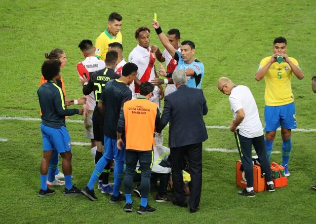 Chiến thắng trong thế thiếu người, Brazil vô địch Copa America - 3