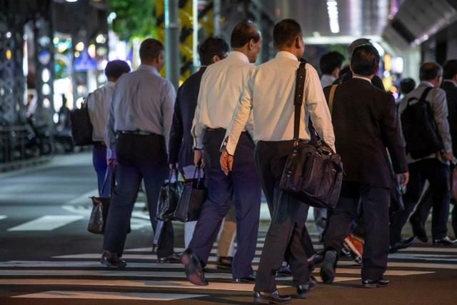 Mặt tối nơi công sở Nhật Bản: Làm 80 tiếng/tuần, bị ép nghỉ việc khi mang thai - 4